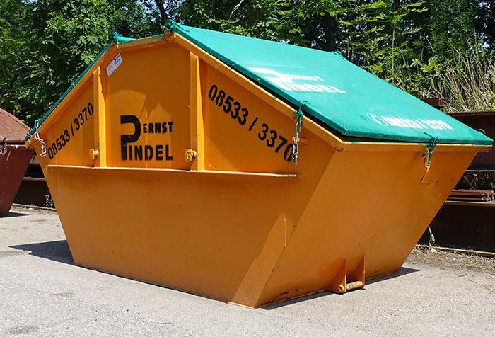 Abfallsammelcontainer für eine komplette Hausentrümpelung